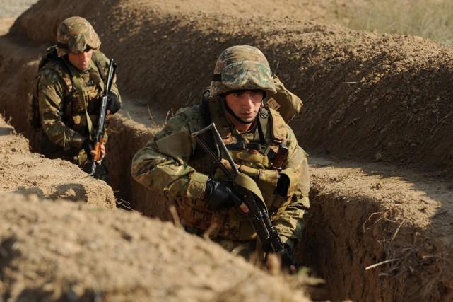 Les armées arménienne et arabakhes lors d'un entraînement... (Pohto KAREN MINASYAN, archives AFP)
