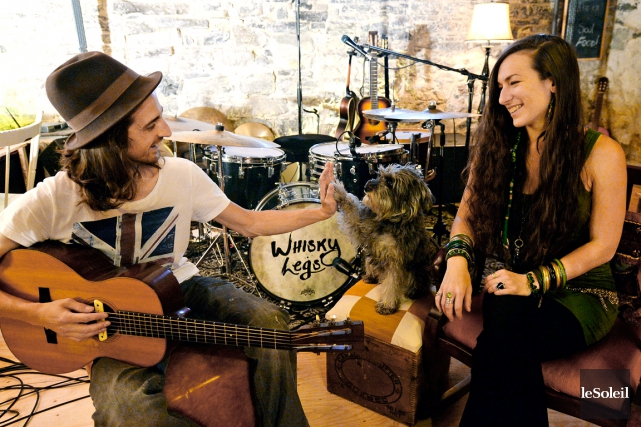 Le batteur multi-instrumentiste Pascal Denis et la chanteuse... (Le Soleil, Erick Labbé)