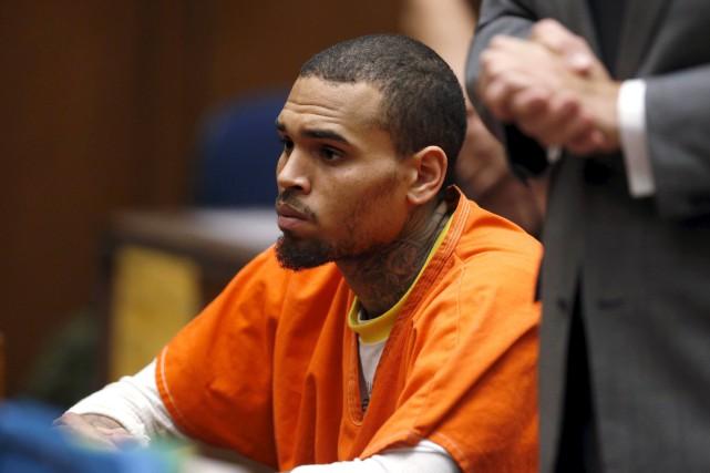 Chris Brown lors de sa comparution en 2014.... (Photo archives Reuters)