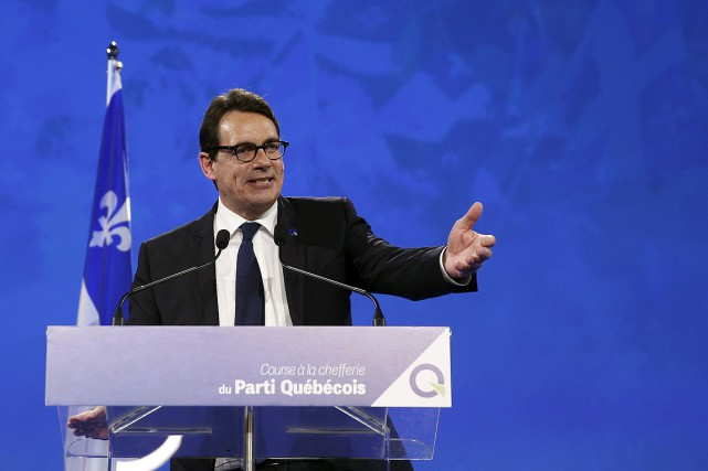 L'équipe de Pierre Karl Péladeau vend des chandails... (Photo Mathieu Belanger, archives Reuters)