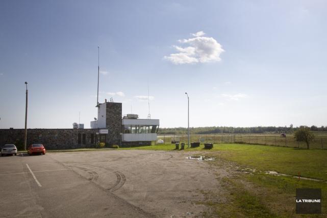 Le terrain de l'aéroport de Sherbrooke accueillera le... (Archives la tribune)