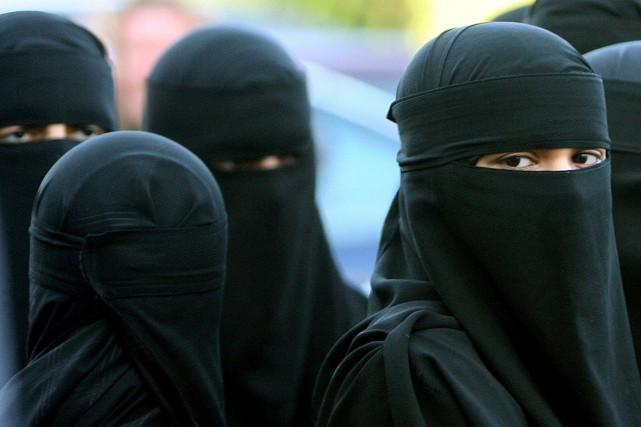 L'enjeu du niqab semble s'imposer comme l'un des... (Photo AP, Dave Thompson)