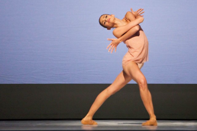 Tanya Howard dans Chroma, de Wayne McGregor... (Photo by Cylla von Tiedemann.)
