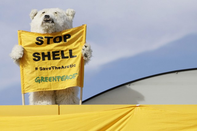 Greenpeace dénonçait les «immenses risques pour les populations... (PHOTO DAVID W CERNY, ARCHIVES REUTERS)