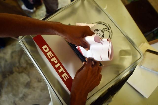 Les premières élections organisées en Haïti depuis l'arrivée... (PHOTO HECTOR RETAMAL, ARCHIVES AFP)