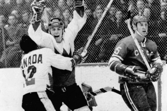 1972 - À Moscou, avec 34 secondes à jouer, un but de Paul Henderson donne au... (Photo: PC)
