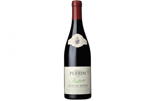 Côtes du Rhône 2012 Nature Famille Perrin... (PHOTO FOURNIE PAR LA SAQ)