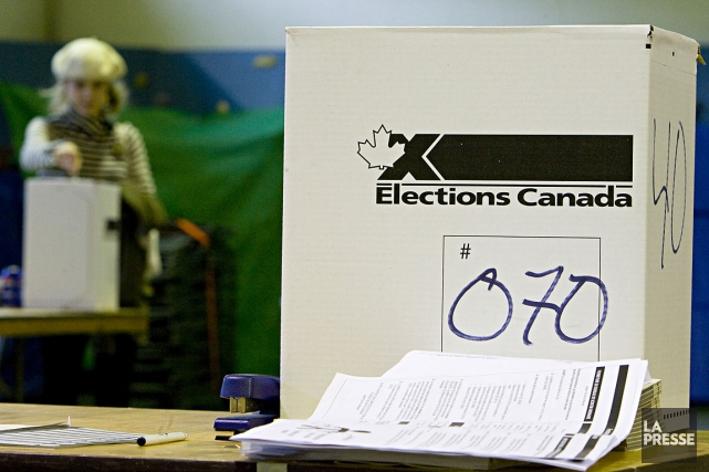 Le vote par anticipation attire de plus en... (PHOTO ARCHIVES LA PRESSE)