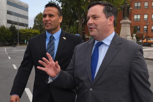 Le ministre sortant Jason Kenney et le candidat...