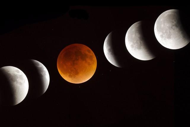 Des dizaines de Sherbrookois étaient réunies afin d'observer l'éclipse de lune... (Photo fournie)
