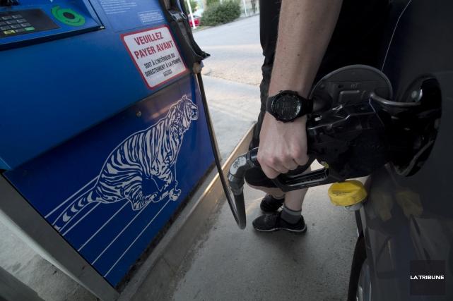 Enfin un moyen concret pour faire baisser le prix de l'essence à Sherbrooke :... (Photo Archives La Tribune, René Marquis)