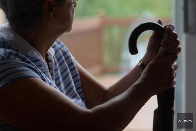 Pour la première fois au Canada, en 2015, les personnes qui sont âgées de 65... (Archives La Tribune, Maxime Picard)