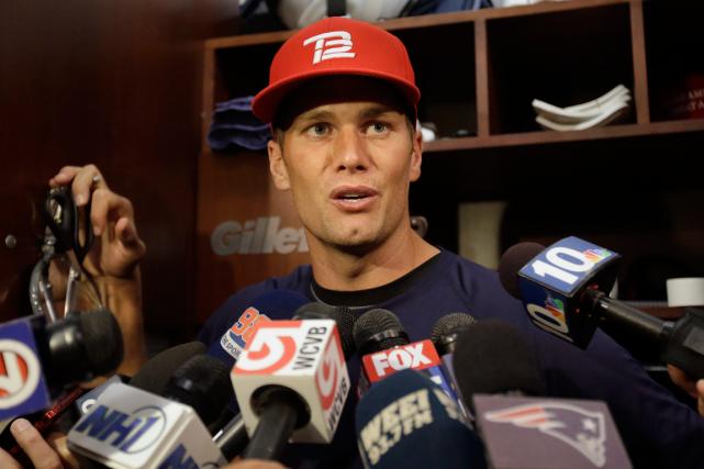 Le quart-arrière des Patriots de la Nouvelle-Angleterre,Tom Brady.... (Photo Steven Senne, AP)