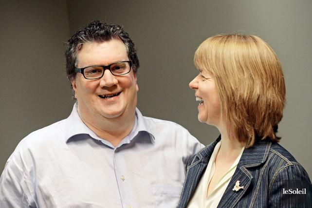 Luc Vigneault et Nathalie Hébert aimeraient pouvoir adopter... (Photothèque Le Soleil, Patrice Laroche)