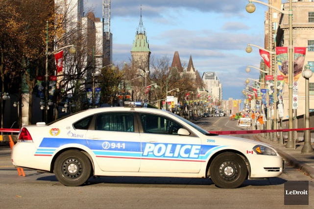 Un sondage de la police d'Ottawa soutient que la population se sentirait moins... (Photo PATRICK WOODBURY, Le Droit)