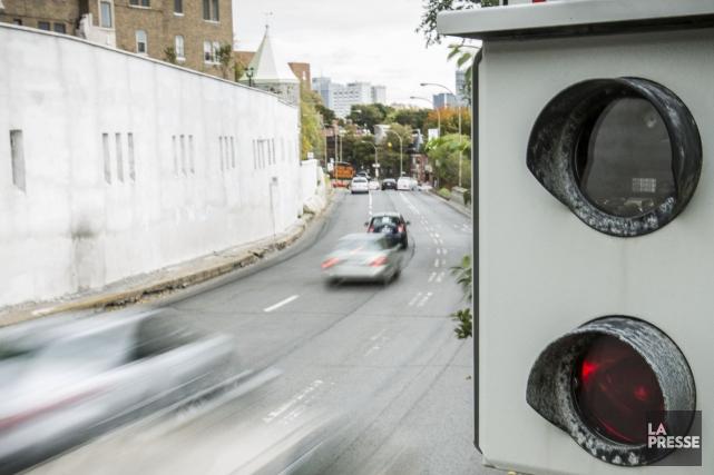 La Ville de Gatineau a installé des enseignes pour prévenir qu'il y a un... (Photothèque La Presse)