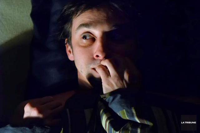 Il y a de ces nuits où l'on tourne en rond dans son lit comme un foetus dans le... (IMACOM, MAXIME PICARD)