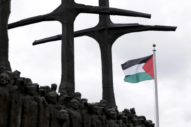 Le drapeau palestiniensera dressé aux côtés des 193... (AP, Seth Wenig)