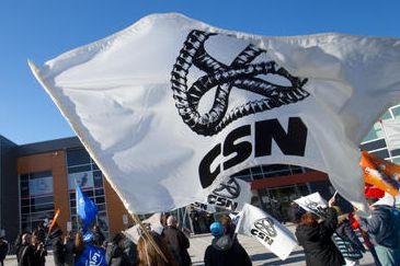 Des syndicats estriens du secteur public détiennent un mandat de grève de six... (Archives La Tribune)