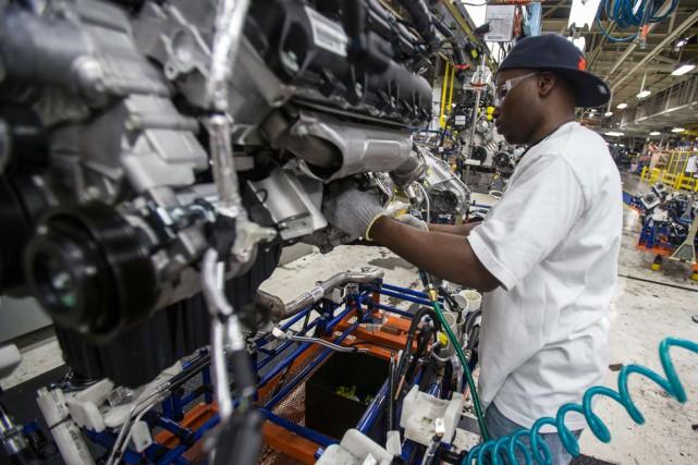 Les commandes industrielles aux États-Unis ont décliné davantage que prévu en... (PHOTO GEOFF ROBINS, ARCHIVES AFP)