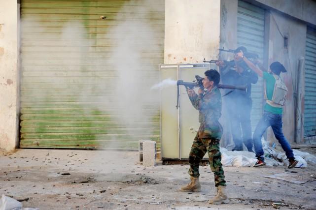 La Libye est déchirée depuis un an par... (PHOTO MOHAMMED EL-SHEIKHY, ARCHIVES AP)