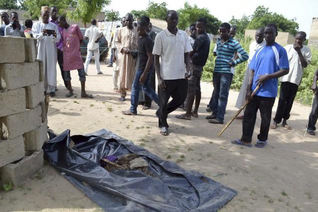 Hier, au moins 10 personnes ont été tuées... (PHOTO AFP)