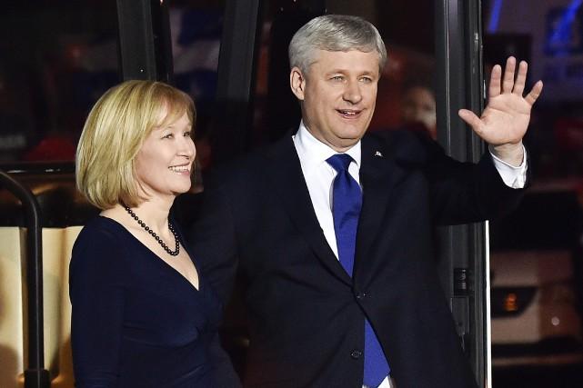 Stephen Harper en compagnie de sa femme Laureen.... (La Presse Canadienne, Nathan Denette)