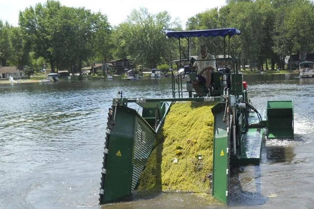 La Ville de Granby pourrait acheter un bateau... (photo tirée du site internet de aquamarine.ca)