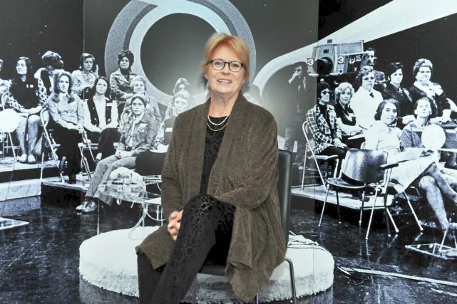 La journaliste Aline Desjardins inaugurait vendredi l'exposition Être... (Photo Université Laval, Marc Robitaille)