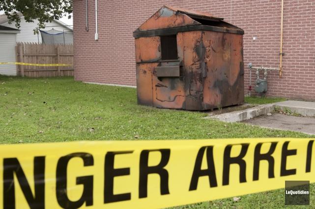 Certains incendies ont été allumés dans des poubelles... (Archives Le Quotidien, Michel Tremblay)