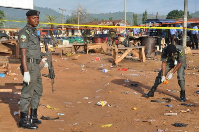 Les deux explosions ont eu lieu vendredi vers... (Photo Gbenga Olamikan, AP)