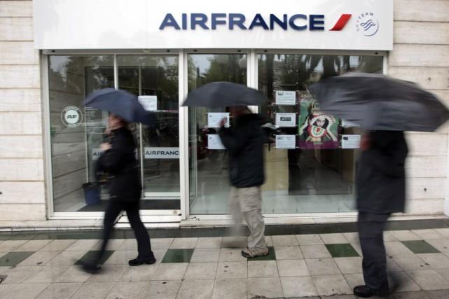 Air France doit annoncer lundi à ses personnels les détails de son plan de... (Photo Eric Gaillard, Reuters)