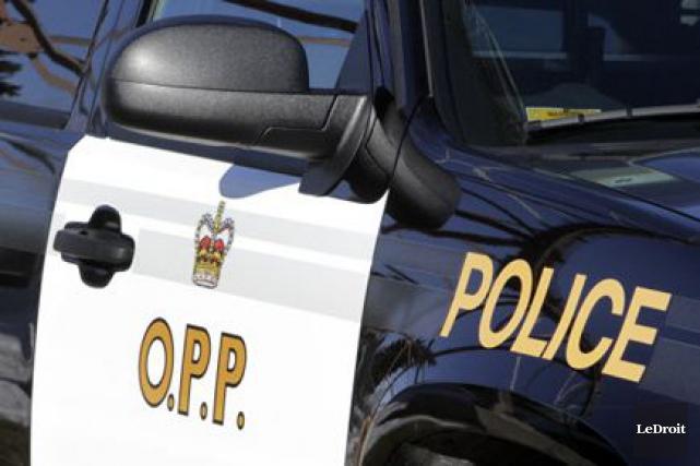 Une collision entre un autobus et une voiture a mené au décès d'une personne... (Photo: Le Droit)