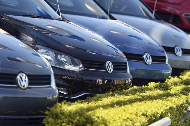 Volkswagen doit rappeler dans les semaines qui viennent... (AFP, William West)