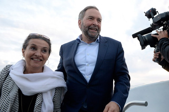 Thomas Mulcair et sa femme, en route vers... (Photo Ryan Remiorz, PC)