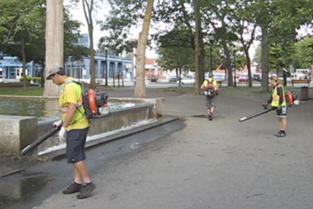 Dimanche matin, 20 septembre, j'ai le parc Champlain à mes pieds, il est...