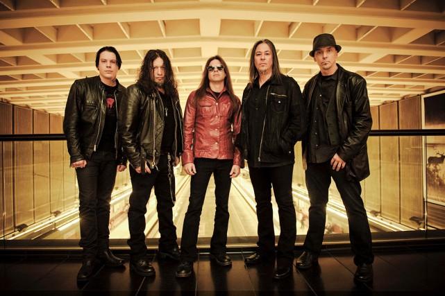 Les membres de Queensrÿche, de gauche à droite...