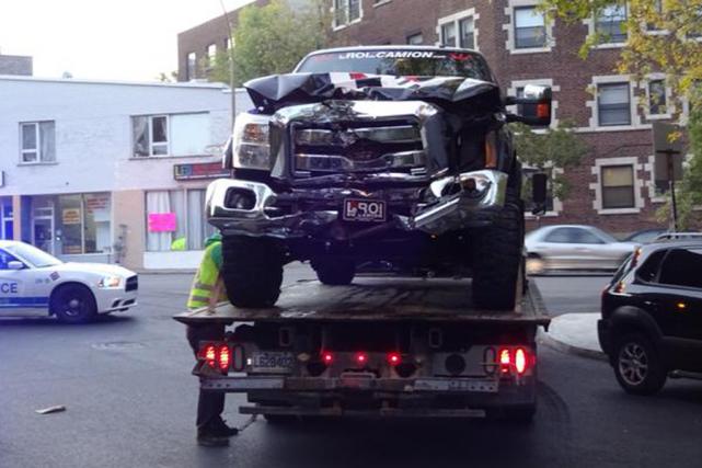 Le véhicule accidenté dans lequel se trouvait Zack... (Photo tirée de Twitter)
