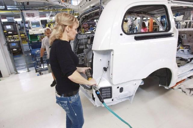 La construction d'automobiles est un des principaux secteurs... (La Presse Canadienne, Geoff Robins)