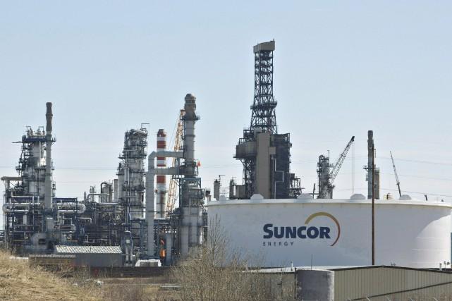 Le groupe pétrolier Suncor(T.SU)a annoncé lundi une offre... (PHOTO ARCHIVES LA PRESSE CANADIENNE)