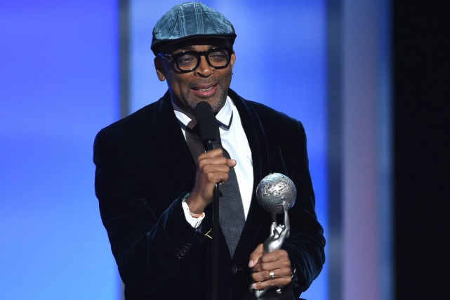 Spike Lee lors d'une cérémonie où on lui... (PHOTO ARCHIVES AP)