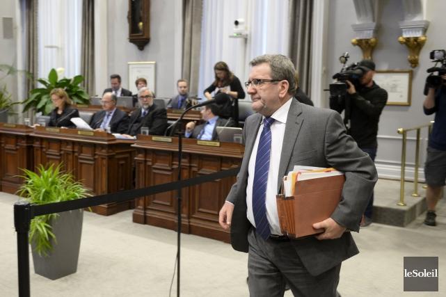 Le maire Régis Labeaume, lors du conseil municipal... (Le Soleil, Jean-Marie Villeneuve)