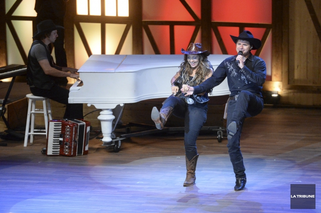La présentation du spectacle Cowboys au centre-ville de Sherbrooke l'été... (Archives, La Tribune)
