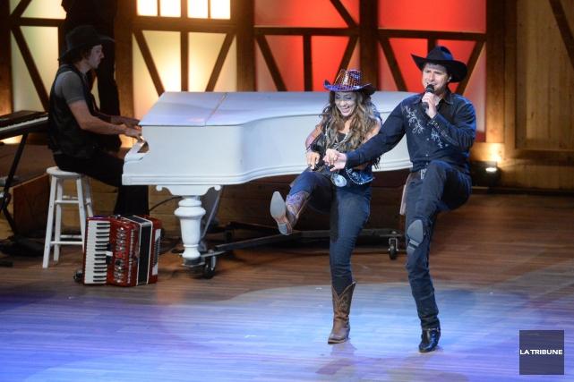 La présentation du spectacle Cowboys au centre-ville de Sherbrooke l'été... (Archives La Tribune)