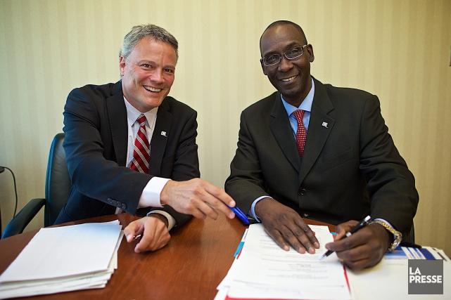 Iya Touré (à droite) est vice-président au développement... (PHOTO ANDRÉ PICHETTE, LA PRESSE)