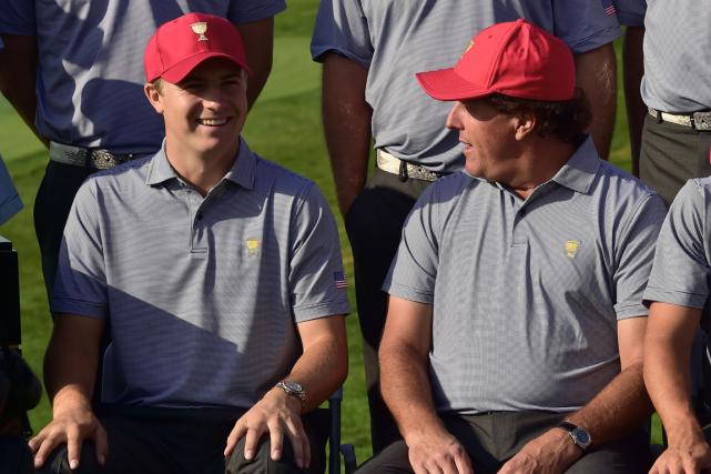 Jordan Spieth et Phil Mickelson feront partie de... (Photo Jung Yeon-Je, AFP)
