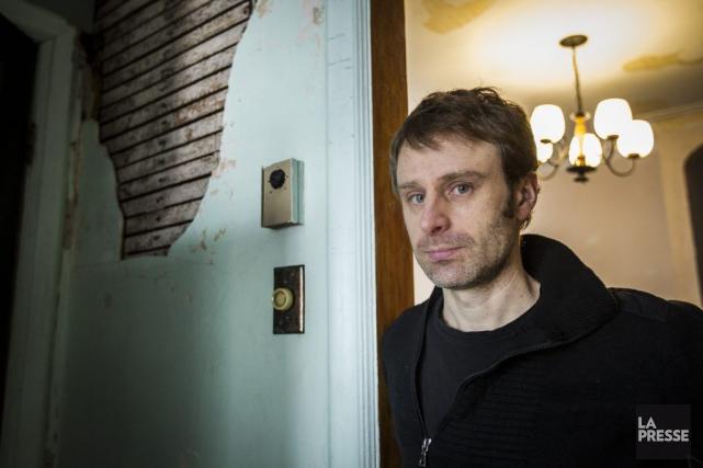 Nicolas Dickner est finaliste en fiction avec son... (Olivier Pontbriand, Archives La Presse)