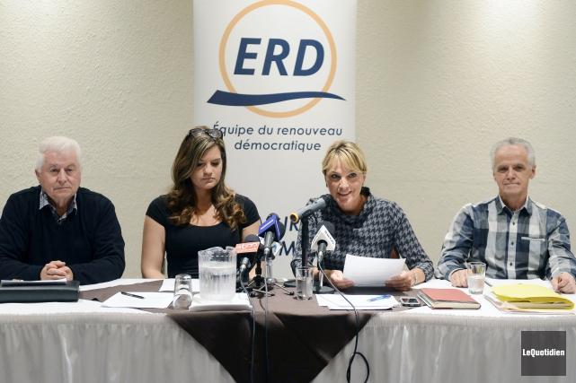 La conseillère de l'ERD, Josée Néron, se lance... (Photo Le Quotidien, Jeannot Lévesque)