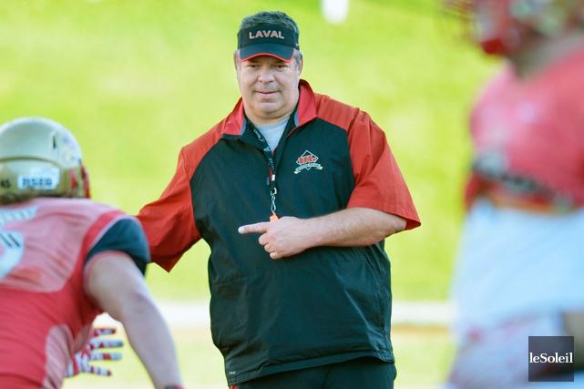 L'entraîneur-chef du Rouge et Or Glen Constantin a... (Photothèque Le Soleil, Yan Doublet)