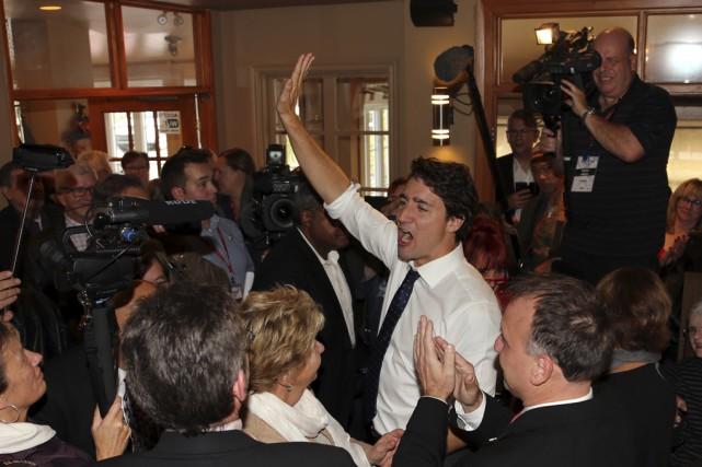 Justin Trudeau s'est offert un bain de foule,... (photo Alain Dion)